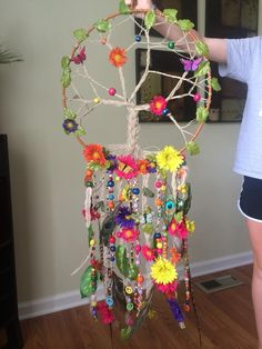 Tree of life dream catcher, for my mama! Diy And Crafts, Craft Projects, Crafts For Kids, Arts And Crafts, Dream Catcher Craft, Dream Catcher Mobile, Los Dreamcatchers, Beautiful Dream Catchers, Deco Nature