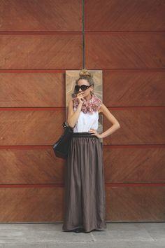 MY SHOWROOM, moño de My Showroom, baroque prada, maxi skirt, sandalias cangrejeras, sandalias romanas, bolso negro, Priscila Betancort, Carlos Toun, blog de  moda, el mejor blog de moda,