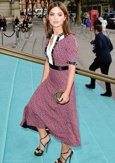 Jenna Coleman arriving for the V&A Summer Party at the Victoria and Albert Museum in London, England (22.06.16)