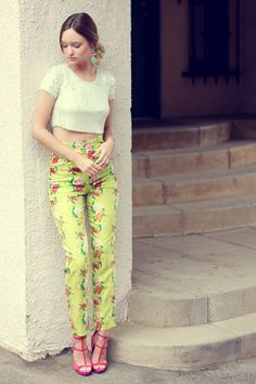 So cute. ♥ #floralprintpants