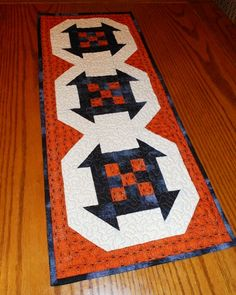 Friday Finish: Halloween Table Runner with FREE Pattern - can be made for other seasons using different colors