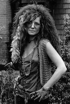 here's Janis Joplin with some great inspiration of how to carry off the look.Janis Joplin at the Hotel Chelsea NYC 1970 photographed by David Gahr Rock And Roll, Jimi Hendricks, Acid Rock, Blues, Photo Portrait, Color Portrait, We Will Rock You, Joe Cocker, Joan Baez