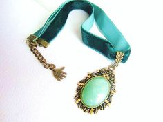 Green aventurine pendant necklace vintage by MalinaCapricciosa, $23.00