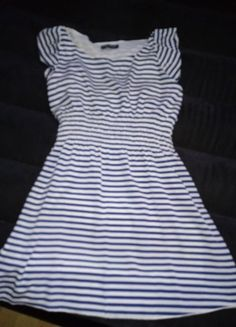 Sukienka w paski Dresses, Fashion, Vestidos, Moda, Fashion Styles, Dress, Dressers, Fashion Illustrations, Flower Girl Dress