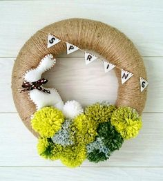 husveti ajtokoszoru pompom spring wreath easter bunnie rabbit diy a - Life ideas Pom Pom Wreath, Diy Wreath, Pom Poms, Diy Spring Wreath, Door Wreaths, Spring Crafts, Holiday Crafts, Crochet Wreath, Diy And Crafts Sewing