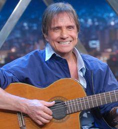 Roberto Carlos recebe muitas homenagens por seu anivérsário - http://colunas.revistaepoca.globo.com/brunoastuto/2013/04/19/roberto-carlos-recebe-muitas-homenagens-por-seu-aniversario/ (Foto: TV Globo)
