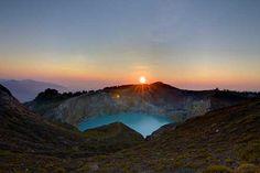 Sunrise at Mount Kelimutu, Flores    Travel Guide to Flores, Sumba and Sumbawa    http://allindonesiatravel.com/