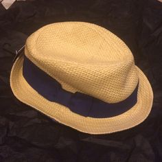 Fedora with navy blue ribbon and bow Fedora with navy blue ribbon and bow, never worn Forever 21 Accessories Hats