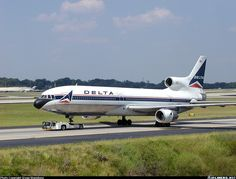 Lockheed L-1011-385-1-15 TriStar 250 aircraft picture