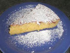 Torta semplice arancia e mandorle per intolleranti