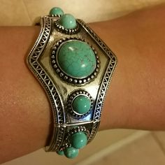 Turquoise silver bracelet Beautiful turquoise and silver bracelet. Jewelry Bracelets