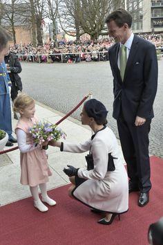 PRINCESS MONARCHY - WELCOME BIENVENUE BIENVENIDA WELKON GAST VELKOMMEN VALKOMNA