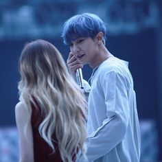 Chanyeol stay with me Exo Red Velvet, Wendy Red Velvet, Ulzzang Couple, Ulzzang Girl, Park Chanyeol, Baekhyun, Korean Best Friends, Kpop Couples, Bts And Exo
