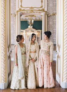 A Hindu Wedding in the English Countryside - A Hindu Wedding in the English Cou. - A Hindu Wedding in the English Countryside – A Hindu Wedding in the English Countryside – Styl - Winter Bridesmaid Dresses, Winter Bridesmaids, Indian Bridesmaids, Bridesmaid Outfit, Bridesmaid Ideas, Indian Wedding Outfits, Bridal Outfits, Indian Weddings, Hindu Weddings