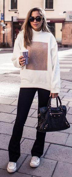 Graphic Sweatshirt by Kenzas