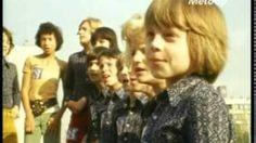 Ah, les Poppys, leur chanson est malheureusement toujours d'actualité... NON NON RIEN N'ARRIVE A CHANGER :-(