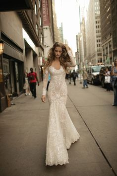 Unfolding like the many layers of the lusciously petalled rose, the inspiration for the 2017 BERTA wedding dresses collection springs forth from the world of flowers. See more new Berta Wedding Dresses here: http://www.confettidaydreams.com/berta-wedding-dresses/ via @confettidaydreams featuring @bertabridal