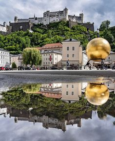 im always amazed how awesome a small dirty puddle can be #bilderschmiedesalzburg #salzburgcity #visitsalzburg  #salzburgerland#salzburg #reflection #sonyalpha #salzburg #travelsalzburg #travelaustria #urlaub #holiday Photo; @bilder_schmiede 📸 Z Burger, Salzburg, Budapest, Austria, Amazing, Awesome, Reflection, Mansions, House Styles