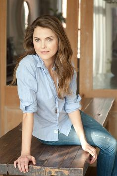 Keri Russell photographed by William Waldron, Hair and Make-up by Maysoon Faraj Corporate Portrait, Business Portrait, Keri Russell Style, Headshot Poses, Portrait Poses, Best Makeup Artist, Professional Portrait, How To Pose, Girl Crushes