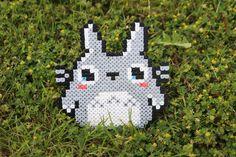 Un personnage mythique du studio Ghibli, Totoro ! :)  Page de la boutique : https://www.etsy.com/fr/shop/PixelShopCreations  ✌️  Page facebook : https://www.facebook.com/Pixelshopcreations/