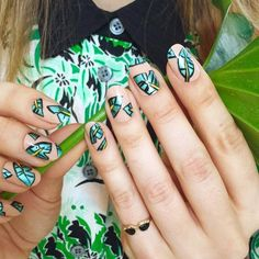 graphic leaf manicure