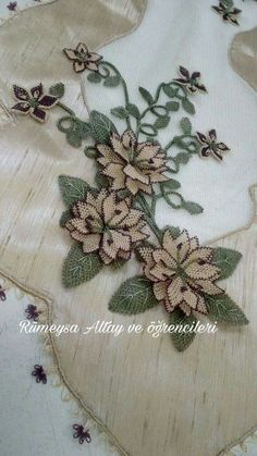 Needle Lace, Needle And Thread, Point Lace, Cut Work, Bargello, Felt Flowers, Machine Embroidery Designs, Needlepoint, Flower Arrangements