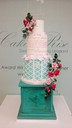 Irish Cake Decorating And Sugarcraft Chat : Moroccan Onlay Cakes on Pinterest Lattices, Wedding ...