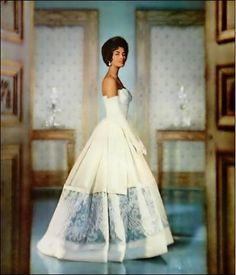In 1950s America Helen Williams became the first black female model to break into the fashion mainstream
