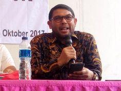 Berita Islam ! Tiga Tahun Jokowi-JK Politisi PKS: Politik Gaduh Ekonomi Jeblok... Bantu Share ! http://ift.tt/2y5yutc Tiga Tahun Jokowi-JK Politisi PKS: Politik Gaduh Ekonomi Jeblok  Jakarta  Politisi Partai Keadilan Sejahtera (PKS) Nasir Djamil memberikan penilaian terhadap kepemimpinan Jokowi-JK selama tiga tahun terakhir. Menurutnya kepemimpinan Jokowi-JK tidak memberikan kemajuan politik maupun ekonomi. Tiga tahun Jokowi-JK ada yang bilang sukses. Tapi menurut saya politik gaduh ekonomi…