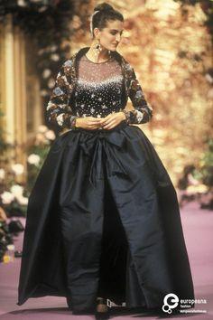 Christian Lacroix, Autumn-Winter 1989, Couture on www.europeanafashion.eu