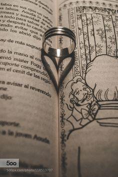 """Heart - Pinned by Mak Khalaf """" La amo; en verdad por todo lo que hay de más sagrado en el mundo; la amo y soy todo suyo.  Ah! exclamó mistress Aouda llevando la mano al corazón."""" La vuelta al mundo en 80 días Julio Verne. Abstract AmorAnilloBookCorazónHeartJulio VerneLibroLoveRingShadowSombraLa vuelta al mundo en 80 dias by mario_santoscoyjim Mario, More Photos, Life Is Beautiful, Heart, Photography, Truths, Jules Verne, Hearts, Black N White"""
