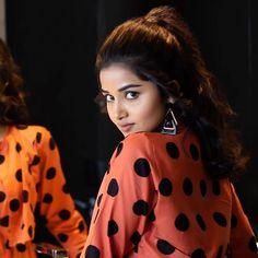 Beautiful Bollywood Actress, Beautiful Indian Actress, Prabhas Pics, Photos, Bollywood Pictures, Anupama Parameswaran, Senior Girl Poses, Stylish Girl Images, Fashion Marketing