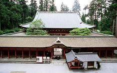 Enraku-ji Temple is said to be one of the main spiritual centers of Japanese culture. An ancient monastery complex atop Mt. Hiei-zan, it is a richly atmospheric place with old temples and artifacts, misty ravines and towering cedars, and a long, fascina...