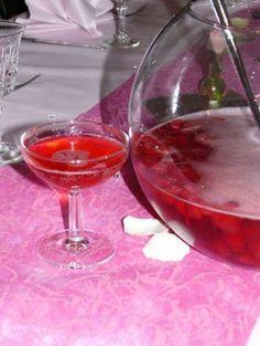 Soupe de champagne fraises et framboises.