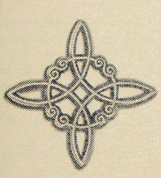 """Witch's Knot: El nudo de la bruja """" Es un símbolo común en la magia popular. Este nudo es una representación simbólica de la magia de nudo practicada por las brujas en la Edad Media, y fue utilizada en la magia  simpática contra la brujería maligna""""  Históricamente conocido como amuleto y protección en contra de maleficios."""