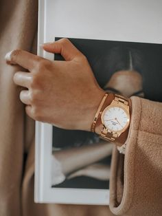 Watches Photography, Jewelry Photography, Daniel Wellington Watch Women, Ring Armband, Women Accessories, Fashion Accessories, Trendy Watches, Women's Watches, Delicate Jewelry
