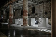 BiennaleArchitectura2016 Marte.Marte showing 3d concrete cubes from www.dade-design.com #3dprint #uhpc cMarte