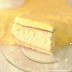 Lemon Mascarpone Cheesecake - this is right up  my alley thanks to my love of all things lemon & cheesecake