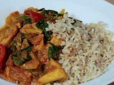 Poznaj przepis na aromatyczne, pikantne curry. Jest o wiele zdrowsze niż to, które możesz kupić w indyjskiej restauracji!