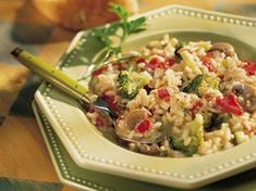 Red Pepper and Broccoli Risotto - Looking for an Italian-style dinner recipe? Then check out this red pepper and broccoli risotto thats made using Progresso® chicken broth. Entree Recipes, Gf Recipes, Gluten Free Recipes, Dinner Recipes, Healthy Recipes, Dinner Ideas, Meal Ideas, Vegetarian Recipes, Food Ideas