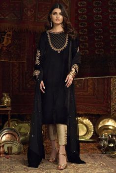 Pakistani Fashion Casual, Pakistani Dresses Casual, Pakistani Bridal Dresses, Pakistani Dress Design, Indian Dresses, Indian Outfits, Black Pakistani Dress, Emo Outfits, Stylish Dresses