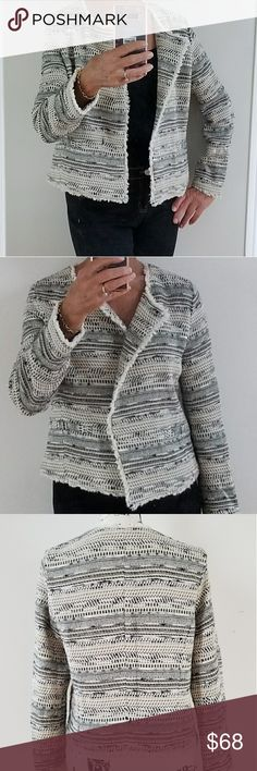 Joie collarless Jacket Woven Jacket made in Romania, 2 front pockets, snap closure, Ohhh so comfortable, great for travel Joie Jackets & Coats