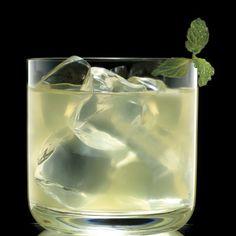 Chic Summer Cocktail - Domaine de Canton