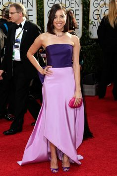 Aubrey Plaza had fun with Pantone's 2014 radiant orchid trend at the #goldenglobes