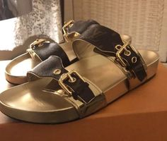 c3b0caa4c259 LOUIS VUITTON BOM DIA SLIDE MULE Gold SZ 40-10 In Womens US