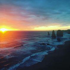 #australia #12apostles #iphone #greatoceanroad #greatoceanwalk #sunset #oceanconservation #ocean #beach #tourguide #tourism by nomadsway