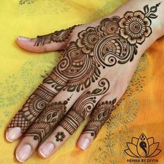 Henna Design Step by Step Images Gallery - Latest Easy Henna Tattoo Designs Step by Step for beginner. this is the best henna design that easy to draw Henna Hand Designs, Eid Mehndi Designs, Mehndi Designs Finger, Mehndi Designs For Beginners, Mehndi Designs For Fingers, Latest Mehndi Designs, Simple Mehndi Designs, Henna Tattoo Designs, Henna Patterns Hand