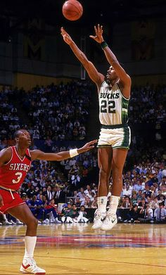 Ricky Pierce, who played for the Milwaukee Bucks from 1984 to 1991.