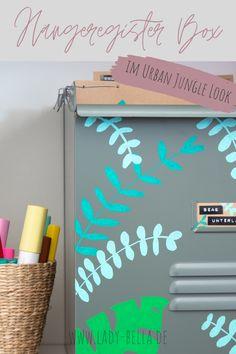 DIY-Bastelanleitung im Urban Jungle Look mit den Kreativmarkern von PILOT PEN zum Nachmachen. Hübsche Methode für ein aufgeräumtes Büro und Arbeitszimmer. Schluss mit unübersichtlicher Ablage. #diy #pilotpen #basteln #ordnung #aufräumen Marker, Art Diy, Diy Inspiration, Diy Projects To Try, Origami, Upcycle, Creations, Urban, Craft