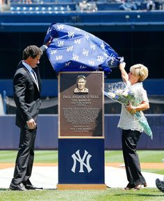NEW YORK, NY - AUGUST 09: Former New York Yankee Paul O'Neill and his wife Nevalee unveil his Yankee Stadium monument park plaque before a game against the Cleveland Indians on August 9, 2014 in the Bronx borough of New York City. (Photo by Jim McIsaac/Getty Images)